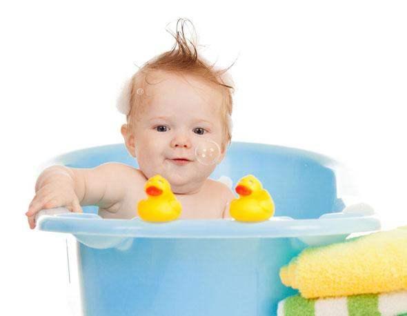 lheure-du-bain-un-plaisir-partage-pour-bebe-et-sa-maman-1-size-3